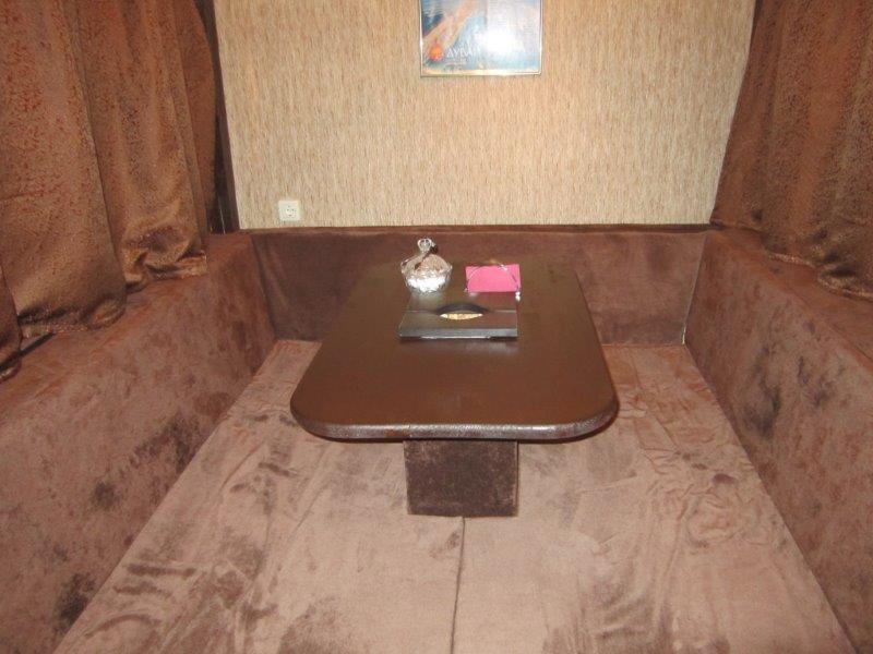 Удобные кабинки в восточном стиле для чаепития и курения кальяна