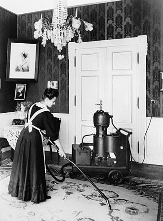 Один из первых пылесосов — Elmo производства компании «Сименс», 1906 г.