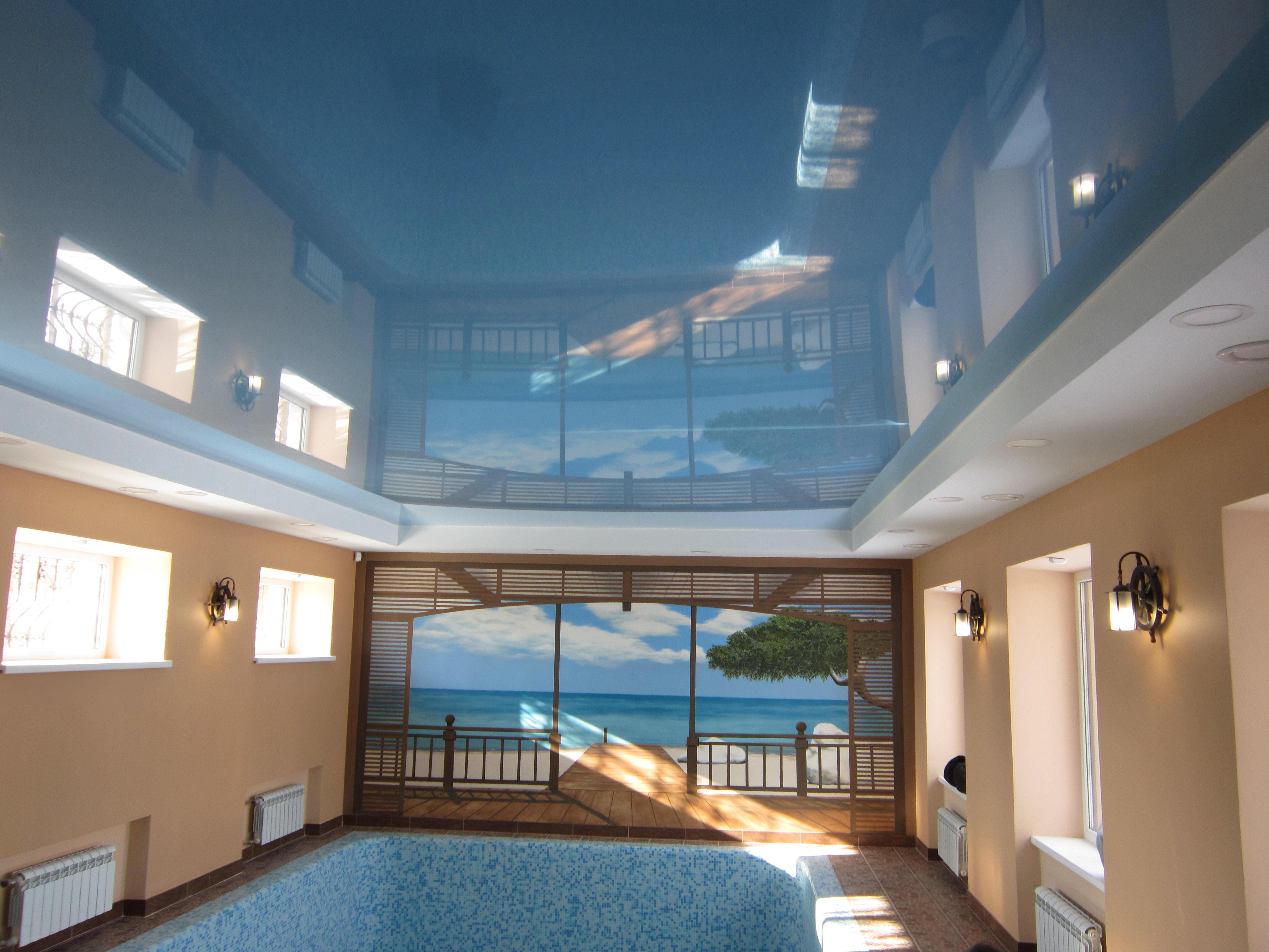 Свежий воздух в бассейне частного дома